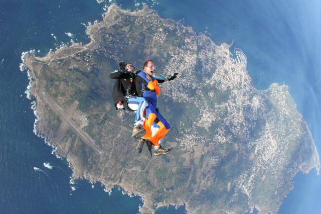 saut en parachute 37